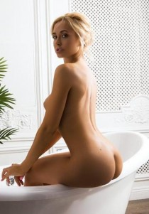 blonde escort Carmen